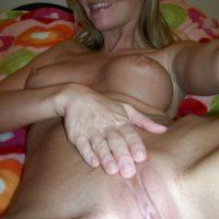 Libertine sensuelle blonde aux seins lourds