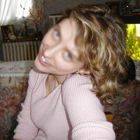 Blondinette célib cherche plan q d'un soir