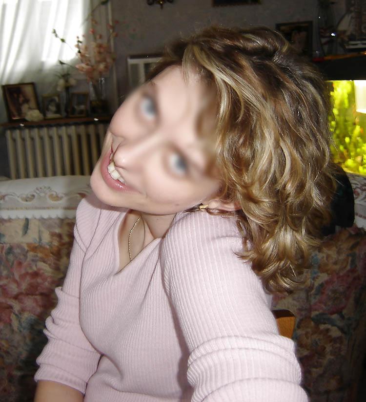 Blondinette célib cherche plan q un soir